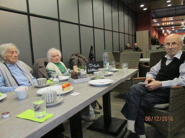 07-12-2016-vorweihnachtliche-stimmung-bei-brockmeyer-2